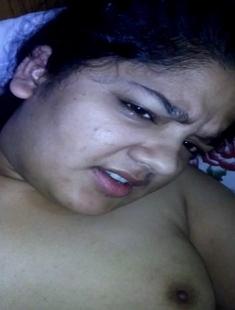 Chubby Sexy Desi Bhabhi Fucked By Hubby New Leaked MMS