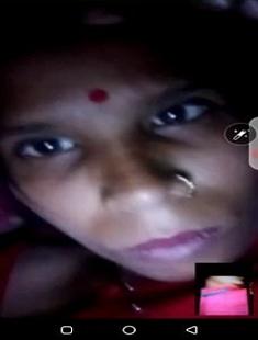 Desi Bhabhi Showing Her Boobs On Video Call