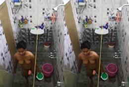 Neighbor girl bath spying