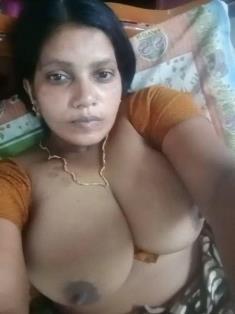 Bhabhi Record Her Selfie Video For Lover