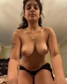 Sexy NRI Girl Mastrubation For BF