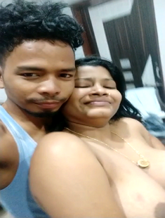 Mature Bhabhi Affair with Young Boy 2= Must Watch