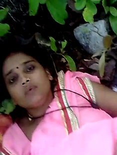 Bhabhi Fucking With Lover In Jungle