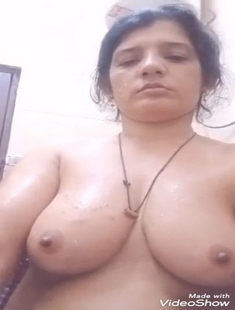Boudi record her Nude Selfie For Lover