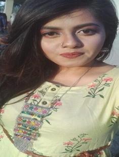 Sexy Bangladeshi Girl play with Boobs