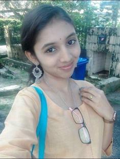 Beautiful Desi Girl Boob Show Pussy Fingering 3Clip