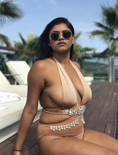 Hot NRI Girl Showing Boobs