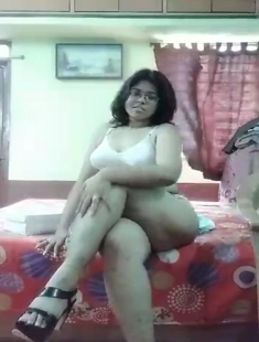 Super Horny Bengali Girl Showing And Fingering