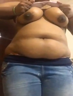 Tamil Girl Showing Her Big Boobs 1