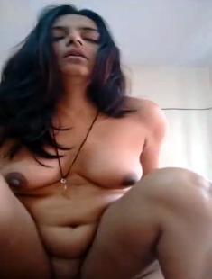 Desi Bhabhi Riding On Lovers Dick IN Hotel Room