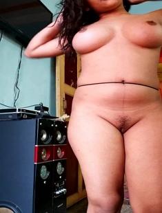 Desi Hot Figure Girl Recording Nude Video