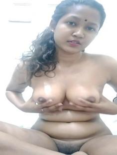 Cute Beautiful Tamil Malaysian Girl Nude Video 1