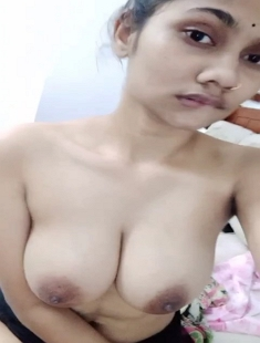 Cute Tamil Girl with So Hot Expressions 5