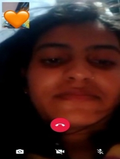 Desi Cute Girl Showing Her Beautiful Boobs