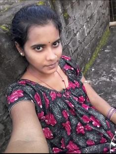 Desi Married Bhabhi During Period
