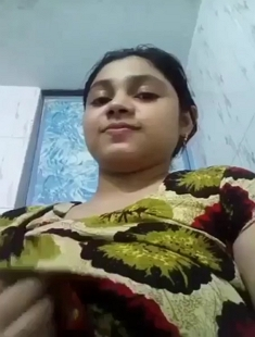 Desi Sexy Booby Girl Showing Boobs And Pussy