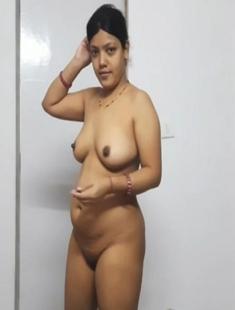 Desi Hot Famous Priya Bhabhi Ridding