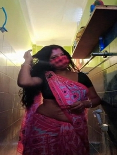 Sexy Arpita Boudi Bathing