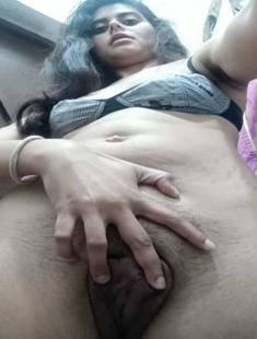 Beautiful Paki Girl Showing Pussy Update!! With Leaked Nudes 1