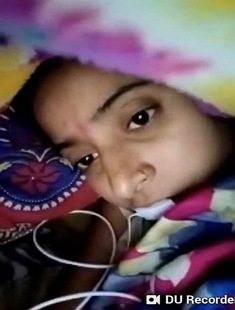 Cute Desi girl Showing her Boobs and Pussy On Video Call 3 Clips