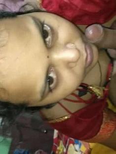 Desi Sexy Wife Blowjob In Home