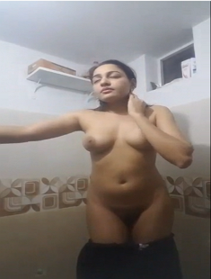 Sexy Babe Nude First Time For Boyfriend