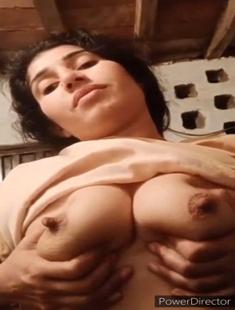 Sexy Paki Girl Showing Boobs 7