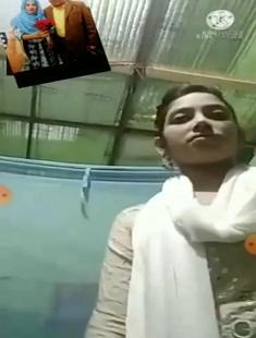 Bangladeshi Beautiful Cute Young Girl Boob Showing