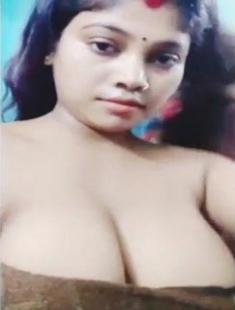 Big Boobies Desi Bhabhi Selfie Video